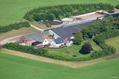 Ejendom-Jelling-ved-Vejle-AT-Luftfoto-Esbjerg-Lufthavn