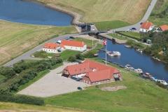 Luftfoto-af-Ribe-Kammersluse-en-flot-sommerdag-taget-af-AT-Luftfoto-med-base-i-Esbjerg-Luftthavn