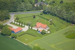 Luftfoto-af-ejendom-på-Fyn