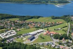 Luftfoto-Mariager-Højskole-med-Mariager-fjor